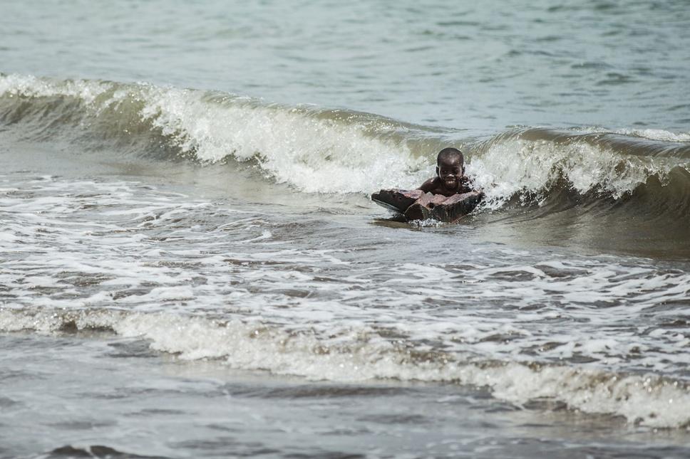 04_Sao-Tomé-Surf-2-15-JPG-395